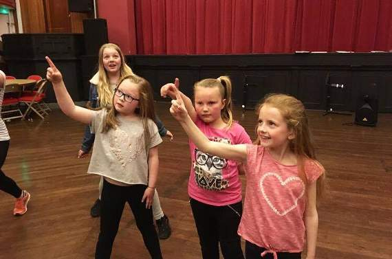 Youth theatre brings Annie to Porthcawl